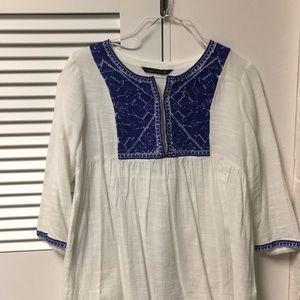 Super cute white Zara blouse with detail